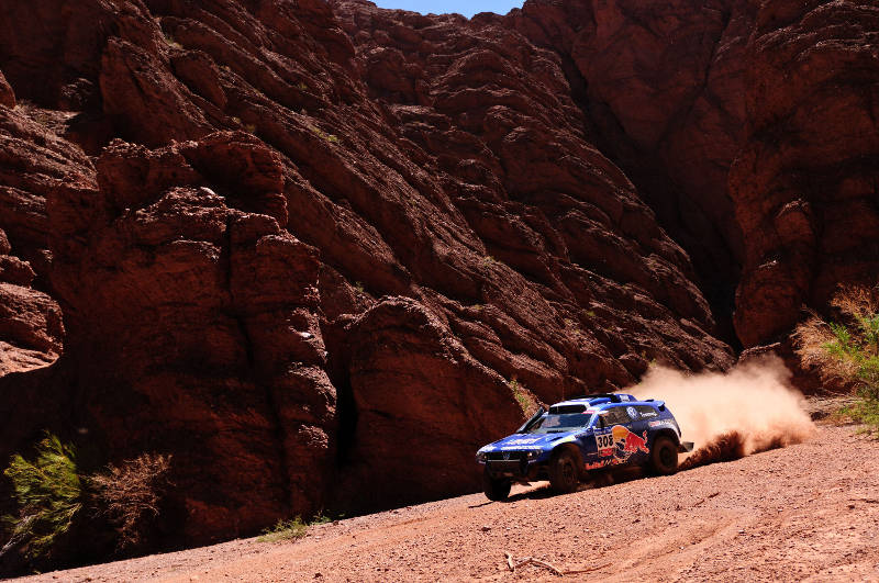 Giniel de Villiers (driver) and Dirk von Zitzewitz (co-driver) in action during the 3rd stage of Dakar Rally 2011 between Tucuman and Jujuy on january 4th, 2011